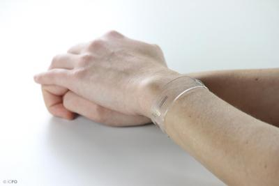ICFO designs new graphene-based flexible and transparent wearable health trackers