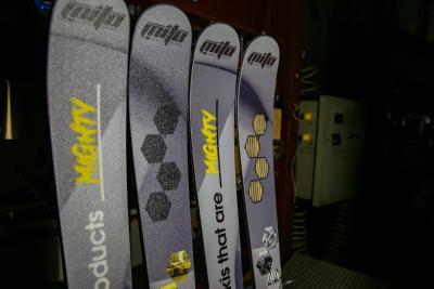 Folsom to launch graphene-enhanced custom skis later in 2021